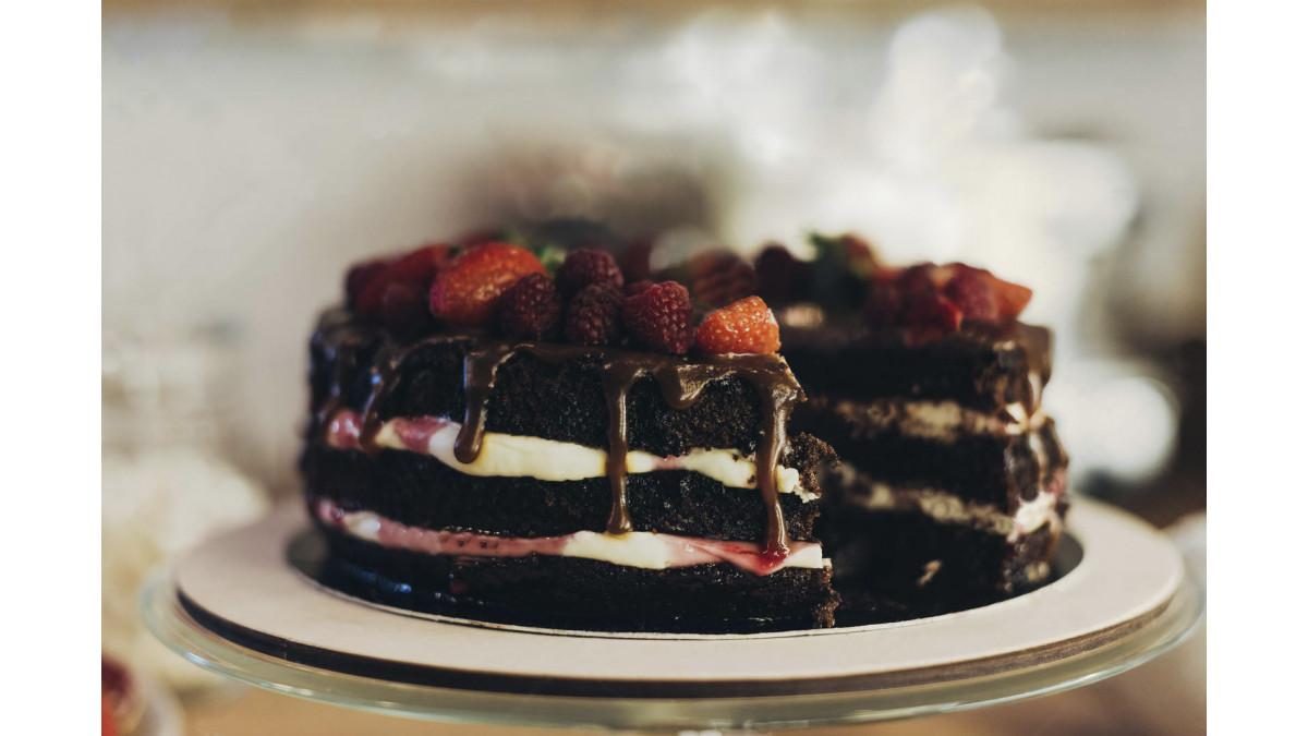 Шоколадный торт с зефиром